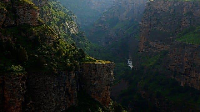 canyon-1740973_640.jpg