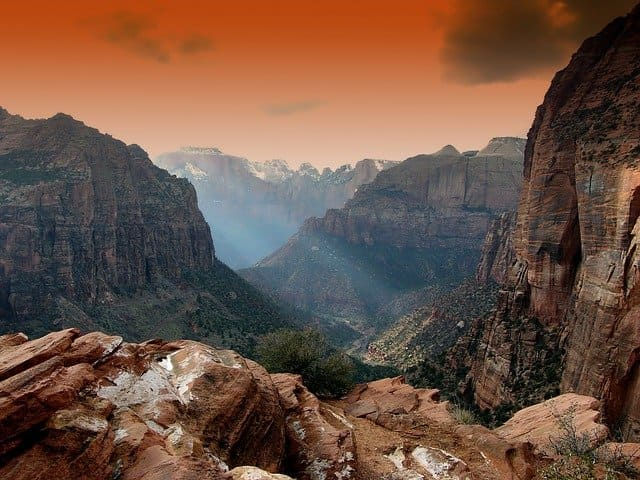 mountains-139012_640.jpg